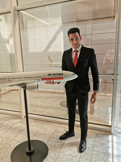 Curso de azafata de vuelo | Academia Meytaqui en Barcelona